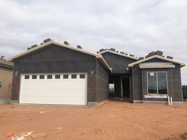 Another gorgeous RayLee Home now UNDER CONSTRUCTION! The Eagle floor plan offers 3 spacious bedrooms with an open living plan perfect for everyday living. Upgraded tile surrounds and flooring throughout! A smart home system with capabilities to control lights, set the alarm, and even unlock the front door all from your phone! Open kitchen features upgraded 42'' kitchen cabinets, SileStone quartz countertops, Stainless Steel appliances and so much more! Make this BRAND NEW RayLee Home yours today!