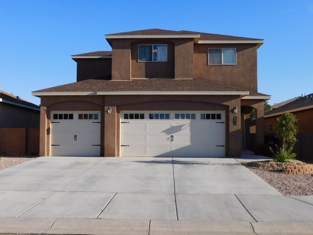 HUNING RANCH GEM!  Wonderfully maintained, 4 bedroom home situated in a great, well-established community that is close to schools, walking trails, shopping and I-25.  This 2 YEAR OLD, stunning home boasts an OPEN FLOOR PLAN that includes: a kitchen area equipped w/custom cabinetry, granite counters, center island and designer back splash, REFRIGERATED AIR, sprawling master living area w/majestic GAS LOG fireplace, large master bedroom w/master bath thatincludes jetted tub, granite counters and ceramic tile surround, POST TENSION SLAB, wonderfully landscaped front and back yards w/side yard access, block wall fencing and more.  Why buy new and have to pay extra for appliances and rear yard landscaping?  This one is ready for your pickiest buyers and is PRICED TO SELL.  A MUST SEE...