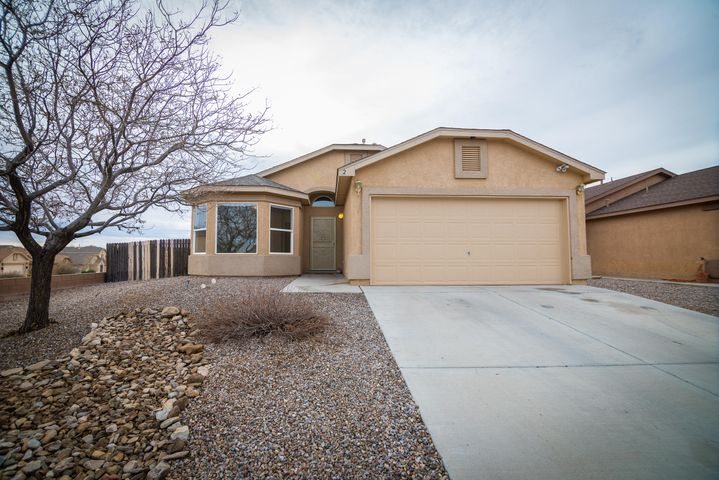 Newly remodeled home located in Tome Vista and conveniently located just outside the village of Los Lunas. This home is turn-key and  ready for you to move in! Call today to see all this home has to offer, including a split master bedroom with vaulted ceilings. Master has a ceiling fan, two sinks, garden tub. Walk-in closet, wet closet and open shelving! Living room is open to both the kitchen and dining area which opens up to the back yard with covered patio. Nichos and plant ledges add character. Home sits on a larger, corner lot. This is a must see!