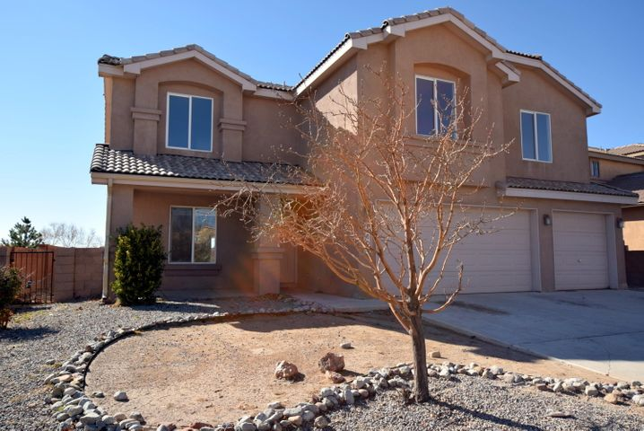 Large family home ready for TLC.  Don't miss this 5 bedroom, 3.5 bath home located in convenient Sundoro neighborhood.  Large kitchen with island and pantry opens to large den with back patio access.   Formal LR/DR .  All bedrooms upstairs along with loft.