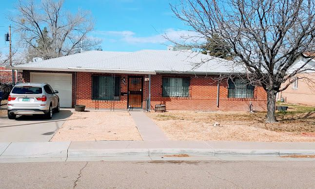 Look no further!Located in a much desired area, and close to shopping, Kirtland AFB, UNM, and easy access to interstate, this home is loaded.Separate In-Law Quarters with separate entrance, large family room and sun-room are just some of the amenities in this 2350 sq ft. home. Note: 350 sq ft is not included in total sq ft. 2 rooms with no heat .