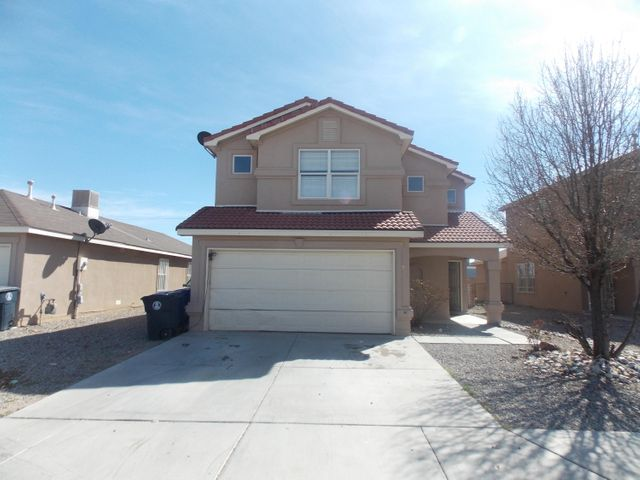 Come and see this spacious home, 2 living areas, 3 bedrooms, 2.5 baths, close to freeway, shopping and schools, clean. Kitchen and dining room combination. tile roof.
