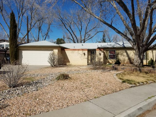 nice single story with 4 bedroom 2 bath - large front and back yard.  House has several living areas, one large family, one dining room and another living room.  Master has onsuite bathroom - shopping nearby. Nice rose bushes when in bloom. Nice cul de sac location. Easy freeway access for commuters. Open house Saturday March 30th - 1 to 3pm.