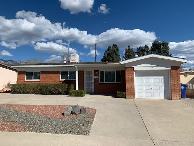 Well cared for 1 owner home.. This homes has great mechanics, updated windows (not all windows replace), garage door, water heater, evap cooler and much more.. Large addition serves well for entertaining.. Ready for a new owner, show and sell today