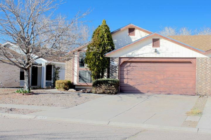 Newly updated three bedroom two bath townhome minutes from I-25 in Los Lunas. Convenient location is close to shopping and dining. Beautiful and spacious living area with a large window with built in seat. Wood tile floors throughout home. Newer roof, and fruit tree in fenced in backyard.