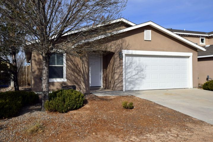 Nice 3 bedroom with 2 living areas. Kitchen opens to breakfast nook/den with backyard access. Well maintained with neutral colors ready for new owner. Beautiful Loma Colorado subdivision with park near by.