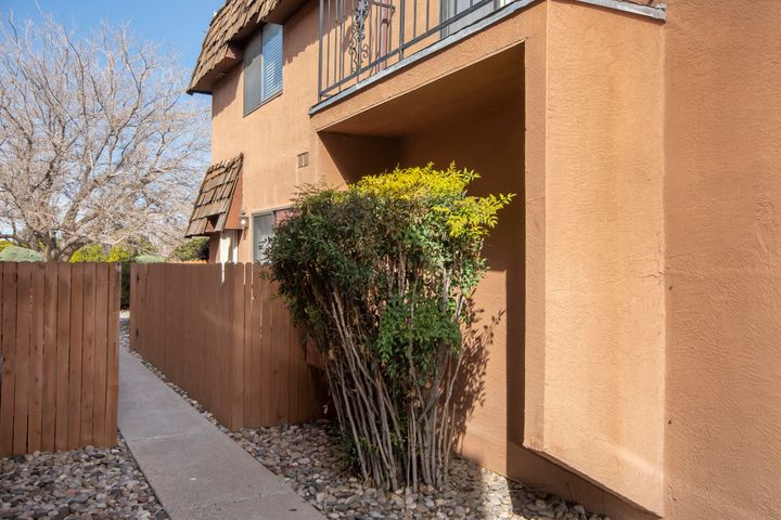 Nicely appointed NE Condo, conveniently located walking distance to trendy area restaurants, social venues, and public transit.    Ground level features open living, kitchen, dining, laundry service room, guest bath, garage, and private courtyard.  Upper level boasts 2 spacious bedrooms and a full bath.   Current owner has invested in several upgrades including a beautiful SS appliance package, custom lighting, plumbing fixtures, shelving, and more. comfortable condo to call home and/or  a solid investment!