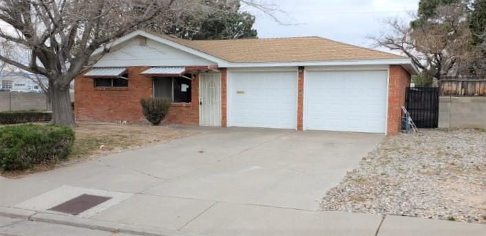 Come take a look at this beautiful spacious home with fantastic updates! This is a great location. Spacious and comfortable with 4 bedrooms, 2 bathrooms, large living area with fireplace, kitchen with eat in area, nice appliances and fresh carpet and paint! Also has a great backyard with side access and huge covered patio for entertaining. This is a great opportunity and great price! Come take a look!
