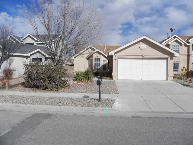 Fabulous one story home located in the highly desirable Avenida Las Vistas Subdivision close to schools, parks, local business and with convenient access to Interstate 25. Home features a desirable open/bright floor-plan and a 2 car garage.