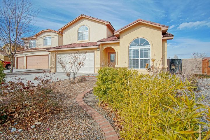 Welcome home!This beautiful corner lot home is boasting 5 bedrooms, 3 bathrooms located in a beautiful neighborhood with tons of nearby amenities. Quick and easy access to I-40 and Unser. Come and see it in person today!