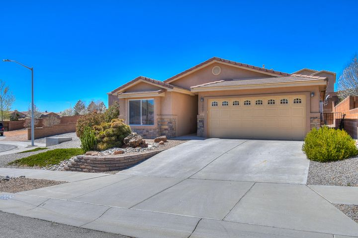 This 4/2/2 home is situated on nearly 1/4 acre and located at the end of a quiet cul-de-sac in the desirable Saltillo area. This home has many amenities including solar and stainless steel appliances. It boasts views of the Sandias and is near schools, restaurants and the Cottonwood Mall.