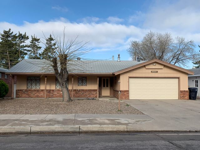 Super NE Heights location!  Close to everything.  3/br, 1.75/ba, 2 car garage.  1-story, nice sized lot, several updates.  Price to sell - call today...