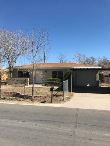 Great opportunity to own this recently remodeled home!  Home has new carpet and Fresh paint throughout. Also has new kitchen cabinets and appliances.  New water heater and new roof! Ready for a new owner today!