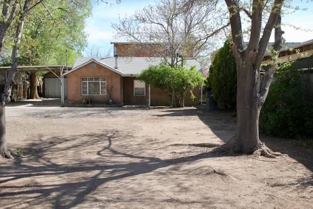 Nestled in desirable North Valley location! Charming 2 bedroom 1 bathroom north valley home on large lot, with plenty of property  to grow. This home is ready for the right buyer to make it their own home. Sold as is.  Use showtime.