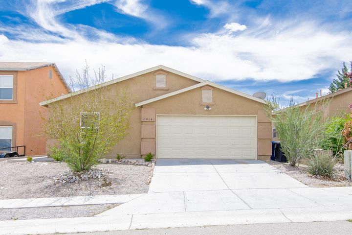 This gorgeous home offers an open floor plan with high ceilings open kitchen-dinning area, It has 4 bedrooms, covered patio and more.  Current owners kept beautifully the condition of this home and it is only waiting for its new owners!Come see you won't be disappointed. Thank you.