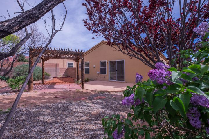Come home to this charming 3 bed/2 bath home located on a quiet cul-de-sac. New appliances, fresh paint throughout, refrigerated air, private landscaped backyard with pergola-covered patio - don't miss out!