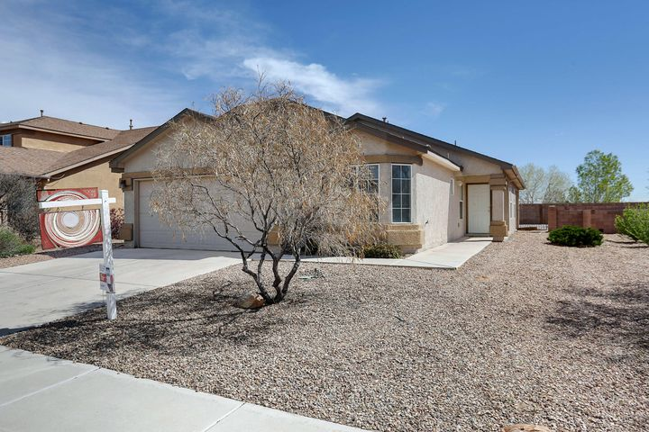 Check out this DR Horton Home! Master is separated from the other bedrooms, and the open floor plan is great for entertaining. This could be your new dream home!