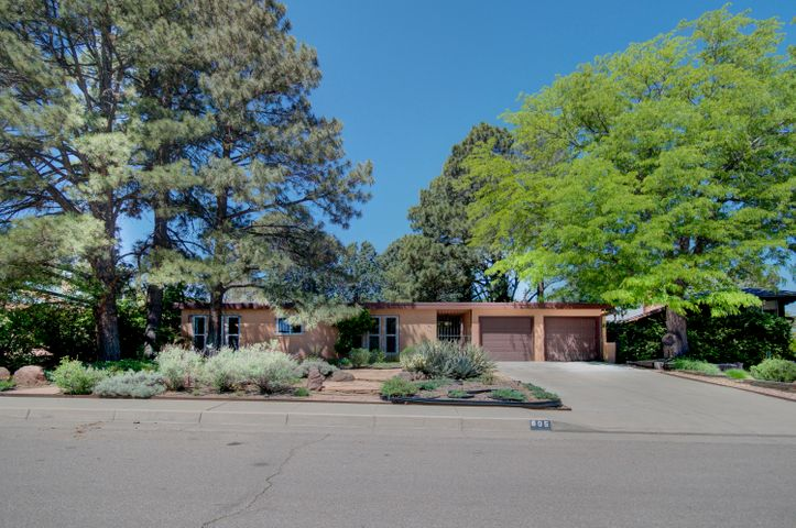 Homes and Real Estate in New Mexico