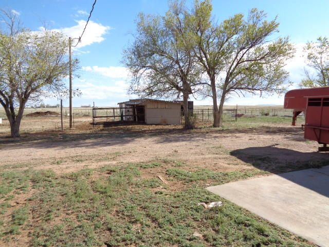 Tired of city living come on out and give this home a look 3bdrm custom home on one acre already has a small barn for the horse's lots of room to ride, Albuquerque is just 35 min drive.