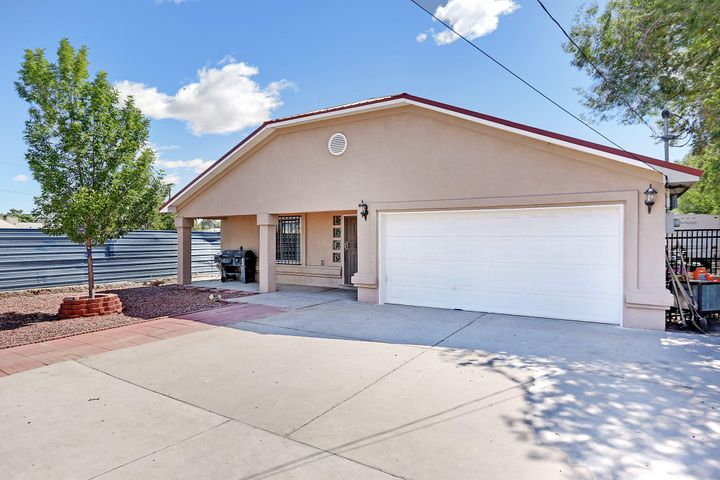 Newer Ranch style home with great finish detail. Open floor plan, Granite counters, 5 piece master bath.Large Living room, Fenced and gated front and back the oversize lot offers easy back yard access for RV or any other kind of storage your buyers might need.