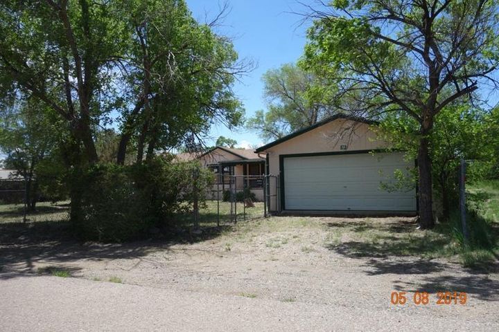 LET'S GET MOVING!!  GREAT HOME in need of a NEW OWNER TODAY!!   EZ LIVING!  Close to shopping, Schools,Fully Fenced,  EZ Access to freeways, READY TODAY!! SUPER VALUE! PLEASE go see TODAY,Write the P/A and LET'S GET MOVING!! T