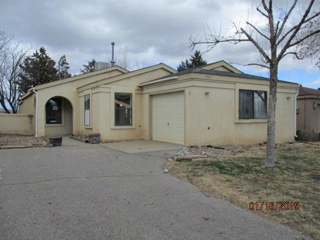 3 bedroom 2 bath home with much potential.  Well established neighborhood, close to schools, parks and shopping. Seller does not pay customary closing costs: including title policy, escrow fees, survey or transfer fees. Property may qualify for seller financing (VENDEE).