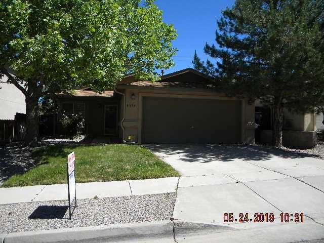 Great home in a wonderful location. close to shopping, dining as well as easy access to the highway.