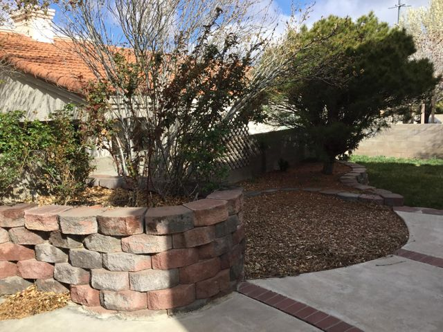 Very private neighborhood, quiet,yet with great access to town. Nice mountain view. Excellent condition inside and out.Relaxing backyard.