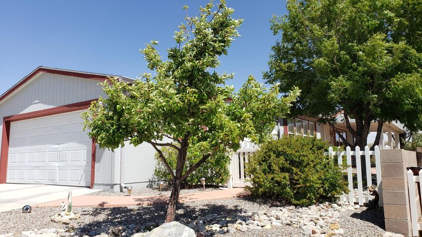 Lovely home situated at the end of a quiet street in the Active Adult Community of Sunrise Bluffs. The efficient design offers a split floor plan, loads of cabinet/counter top space along with an island/breakfast bar in the eat-in kitchen; large utility room with additional storage and walk-in pantry; as well as a dressing area, linen cabinet and walk-in closet in the master suite. Outdoors you'll enjoy mature, easy maintenance landscaping and a generous covered patio. Prepare to be impressed with the community/facilities as well. The Clubhouse boasts a fabulous covered patio overlooking the pond, event hall, library, game and poker rooms and there's a gym, billiards rm and indoor pool in the Rec Building. Added bonuses include on-site RV storage lot and beautiful mountain & mesa views!