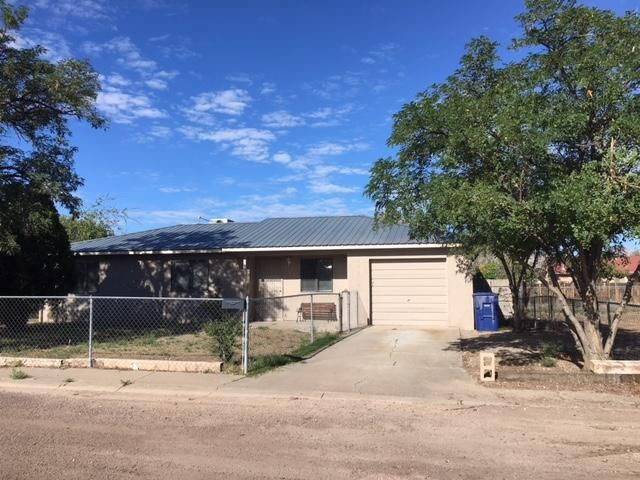 A nice 3 beedroom, 1 bath home located in the center of town.  Home is right by a park, elementary school and only a mile from New Mexico Tech.  Home has a wonderful view from the backyard.