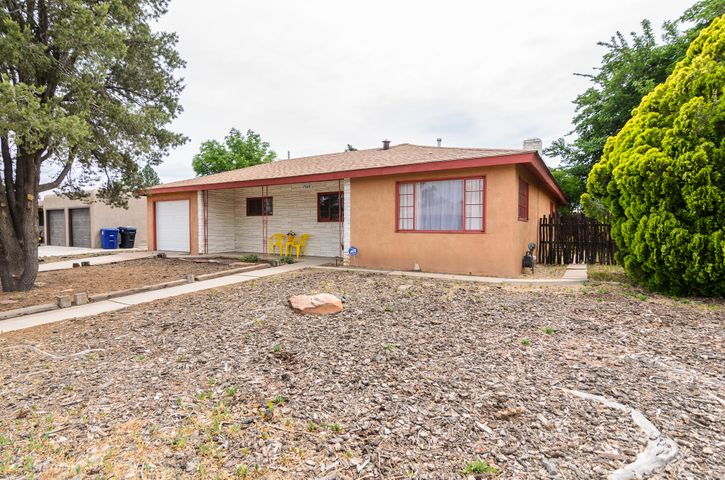 Welcome to your dream home! Its time to stop renting and enjoy the freedom of owning your own home. This home has many updates including a brand new roof with warranty, fresh paint, updated bathrooms, updated electrical box , fresh paint and a new kitchen stove. Theres also a bonus room which can be used for den, workout room or office. Theres a nice wow factor of hardwood floors a nice sized kitchen with a breakfast nook area. The backyard is Huge almost at .22 of an acre and its all block fenced. Make this home yours before its too late! Call for a private showing today!