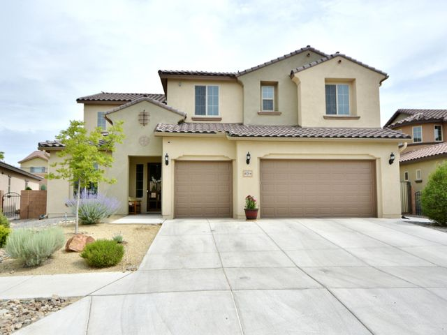 Gorgeous Pulte Designer Series Home, located in sought after Loma Colorado Tres Colinas gated community. Awesome 'Spruce' Floorplan features builder & owner upgrades thru-out. This meticulously cared for, original owner home, features light, bright & open living spaces w/soaring ceilings & clerestory windows inviting the natural light in. Main level features spacious family rm w/cozy fireplace & builtins; inspiring chef's kitchen w/gorgeous granite cntrs, SS Kitchenaide apls, & eat-at bar all open to family rm & sunny dining. Prvt Master suite thoughtfully located on main level features En-suite w/upgraded custom walk-in shower, large dbl vanity & huge wlkin closet. 4 more bdrms & 2 full baths upstairs. Professionally landscaped backyard w/covered & open patio areas, firepit, & more.