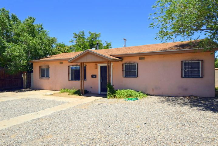 Super great investment property or first time home buyers property.  Nothing left to do except move in.  This home was rented for $1,200 a month previously with a long term tenant.