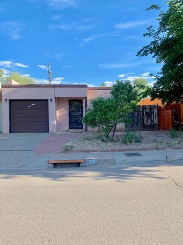 **NEW CARPET AND KITCHEN TILE**Estate property in a short cul de sac street. Three bedrooms, 2 full baths with one bath including a jetted walk in tub. Home is being sold as is . Has fenced back and side yard with side patio facing west.  One car garage