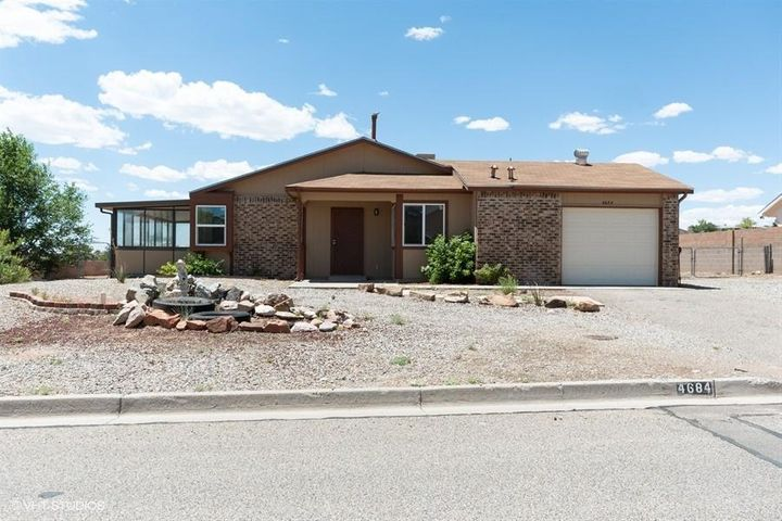 Beautiful two bedroom home locate in the heart of Rio Rancho. Brand new stove, new carpet in bedrooms, new flooring in sunroom. Gorgeous and ample cabinets with tile countertops.