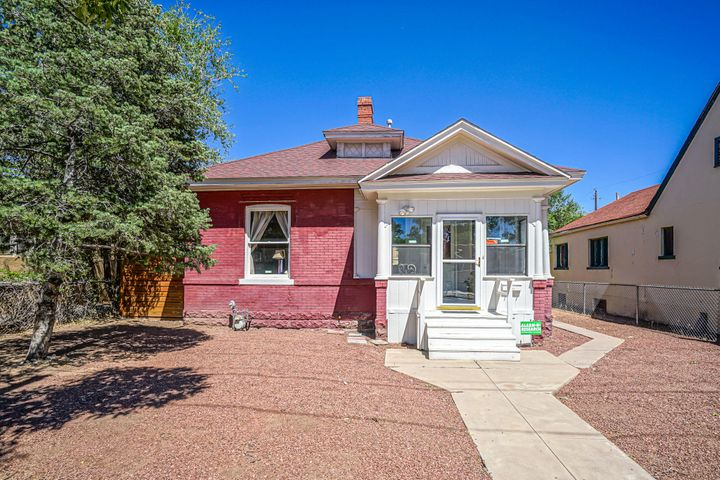 Come and see this beautiful historical house right in the middle of downtown. This home sits on a great piece of land, has a cute enclosed front porch and a spacious sunroom towards the back of the house. Hardwood floors throughout the house, clawfoot tub in the bathroom and big mudroom/laundry service room. Dont miss out on this home it wont last longPark in the back alley off of Fruit St or even park on Fruit St and walk straight to us!! Driveway Access off of 12th is possible if wanted!