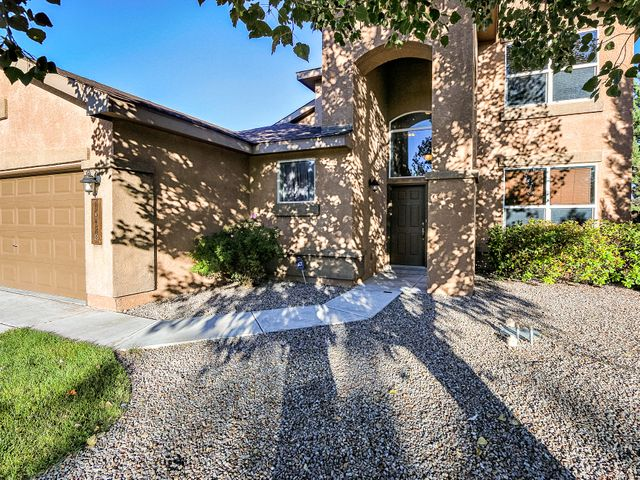 Welcome to this beautiful Pulte Home in Ventana West situated on an oversized corner lot with views. This popular floor plan features refreshed paint & new carpet (2018), high ceilings, gas log fireplace, formal dining area, a large open kitchen w/a sunny breakfast nook. Kitchen boasts corian counters, kitchen island w/sink, plenty of cabinet storage, pantry, & a built in desk/office space for convenience. The downstairs master suite is spacious & features a Master bath w/dual sinks, a separate garden tub & shower, & a large walk-in closet. The upstairs loft is perfect for a game room or large 2nd living space. The backyard boasts plenty of room, gas grill w/gas stub out, hot tub & gazebo. Views to the east are a plus! Enjoy Ventana West neighborhood with many walking paths & parks nearby