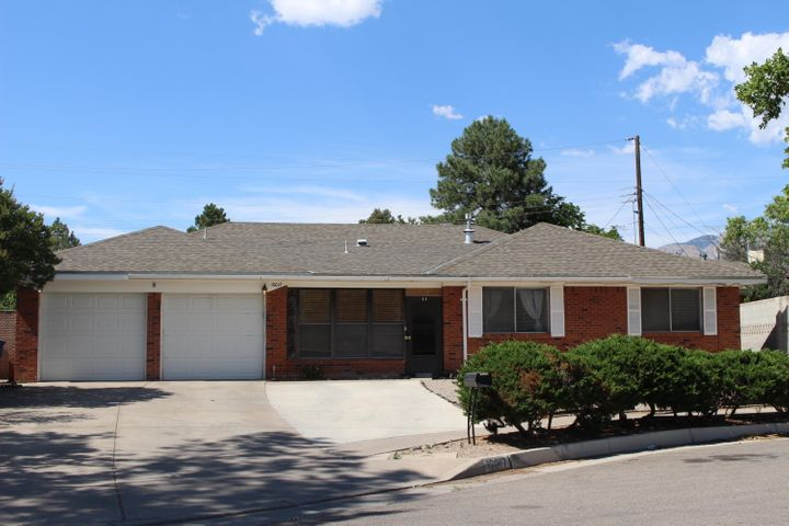 A classic, quality-built Bobby Jenkins 3 BR, 2.50 BA home in the popular San Gabriel neighborhood needing some TLC and updating. The spacious 'ABQ Floorplan' features 2 living areas, 3 baths, pretty kitchen cabinetry, good sized BR's, abundant storage, refrigerated air--Culdesac lot, El Dorado schools. No sign on property.