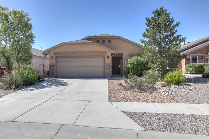 Location, Location Location! This well kept property is located close to schools, shopping, parks and dining. This home is perfect for entertaining with an open concept floor plan and a nice sized back yard that backs up to the mesa! This deal will not last long!