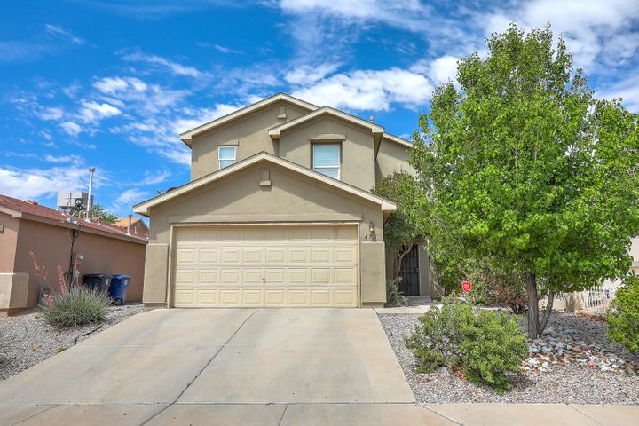 Come take a look at this super well taken care of 2 story home with a great floor plan!  Very spacious, great floor plan, nice open kitchen and a big backyard!  Close to the freeway and shopping centers, come take a look!  It won't last long!