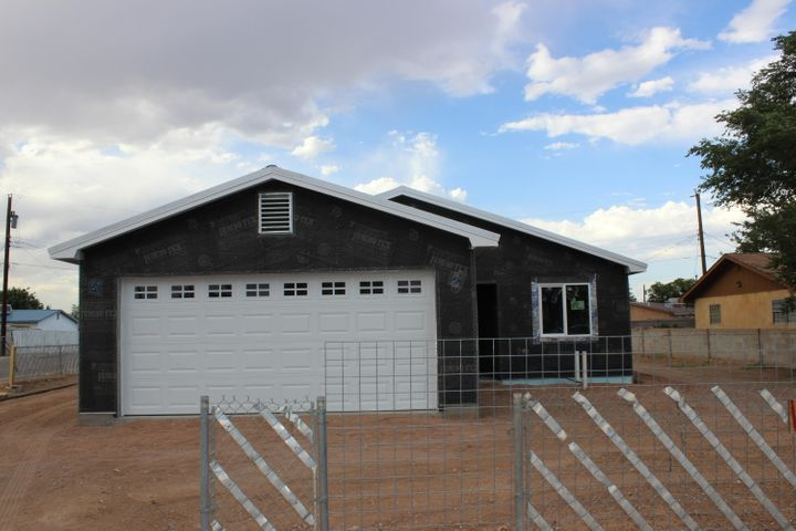 This wonderful open floor plan , 1410 square foot Home has 3 Bedroom and 2 Full baths. Vinyl plank flooring through out the house.  Master bathroom features double sinks and walk in closet. Kitchen features Granite counter tops and stainless steel appliances and opens to the dining area as well as great room.  The great room features access to covered patio.   Double car garage and Refrigerated air.  This Home is under construction and will be ready  to move into in September.