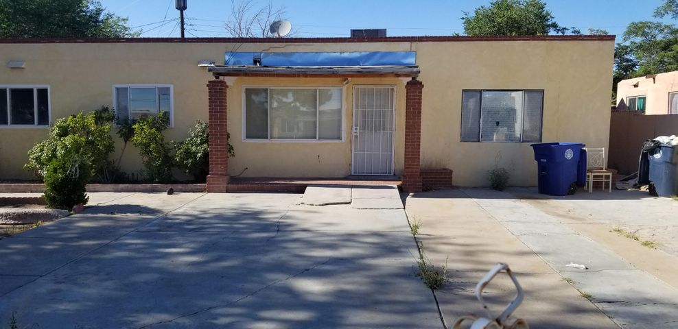 This is a very Spacious 4-Bdrm, 2-Bth with a Formal Dining room off the kitchen. Living room and Family roman, includes a small second kitchen , Newer Roof, 12x10 Storage Shed in the back yard. This is an excellent house for 1st time home buyers with a very spacious floor plan. The roof has been completely redone approximately 2-3 years ago. Seller Owner will do financing down payment of $15,000, mortgage is $1,230/mo. for 2-3 years. Easy financing.  Call me if you have any questions about REC.