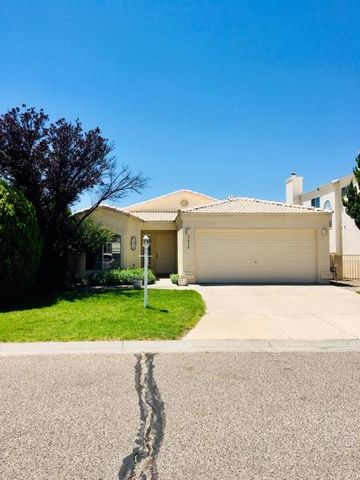 You will love This beautiful updated Beach Murphy built home in High Resort. It is move in ready with Fresh  paint, new wood flooring and new carpet. Inspections have been completed and repairs made.