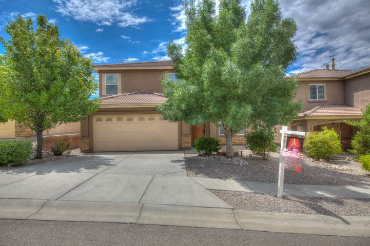 Beautiful Vantage home with 2 masters one up one down. Open light and bright. New appliances with granite counter tops in kitchen. 2 living areas one on second level perfect area for family activities. Big yard. This home is ready for immediate occupancy. Assumable VA loan