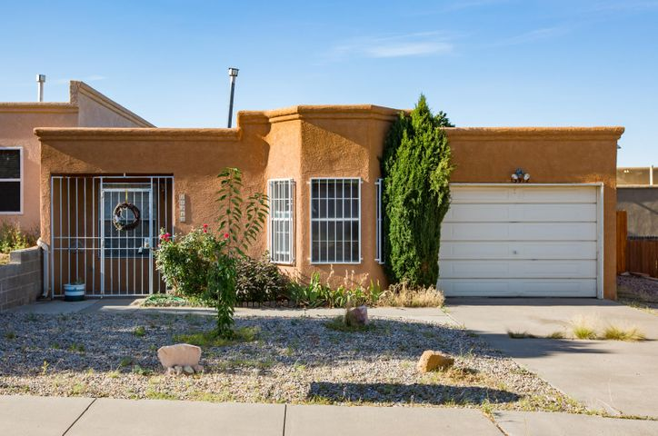 Moving In Ready!!!!  This updated Townhouse  offers  Two Bedroom, Two Bath and  One Car Garage.  Kitchen updated with Stainless  Appliances with a eat in Breakfast nook.  Charming Foothills Location that is close to Freeways, walking paths, and Parks.  Cozy Backyard with a covered Patio. A Great Place to call Home!