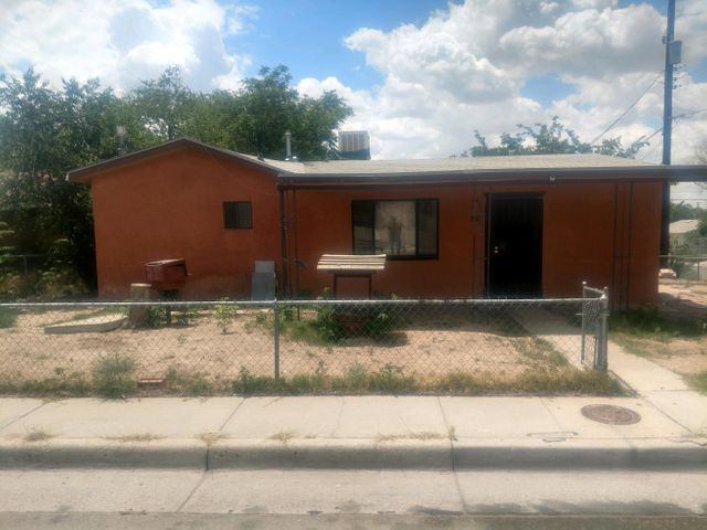 Nice corner lot home has lots of potential and is being sold as/is. close to freeway, shopping and downtown ABQ.