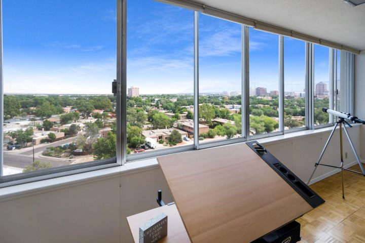 Best views in the City! Enjoy the breathtaking views from the 9th floor of the stunning Alcalde Tower! 
