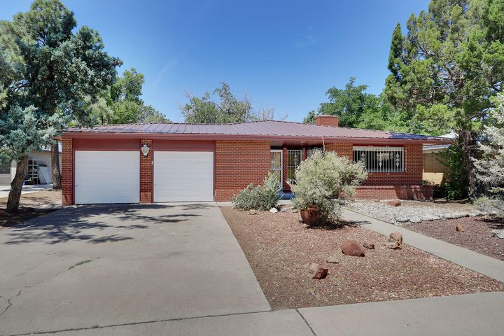 Look no further, Perfect Location for quick access to Nob Hill, UNM, Downtown & Uptown. Beautiful updated modern kitchen with tons of cabinets & counter space, New Metal Roof July 2019,  Refrigerated Air, Jen Air appliances. Newly refinished Hardwood floors throughout. Come see for yourself! Motivated seller, make an offer !
