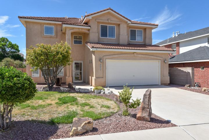 This 4 Bedroom Stillbrooke beauty is located in the desirable neighborhood of Quintessence on a cul de sac within the Highly desirable school district of La Cueva. Good sized lot with back yard access. This home features soaring ceilings and light filled rooms. Functional floorplan includes 2 living areas, a loft, 3 bdrms on upper level , 1 bdrm on main and 3/4 bath. Cook's kitchen, granite counter tops, island w/sink, ample cabinets, cooktop/SS appl. brkfst nook. Double doors lead into Master suite w/ garden tub, separate shower & walk in closet. Restaurants, shopping and Parks nearby