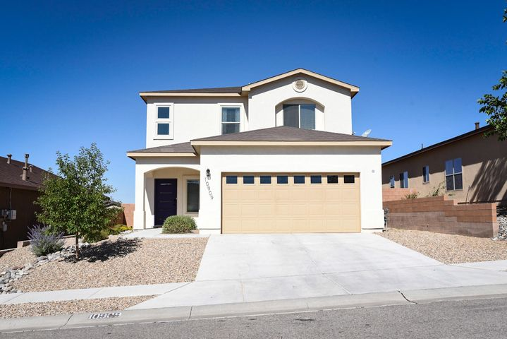 Move in ready! Come see this gorgeous Point Guard floor plan, built in 2015! Home features key-less, entry, open floor plan, with granite counter tops and stainless steel appliances! Close to shopping, restaurants and Rust hospital. Backyard is ready for your vision and personal landscaping touch!